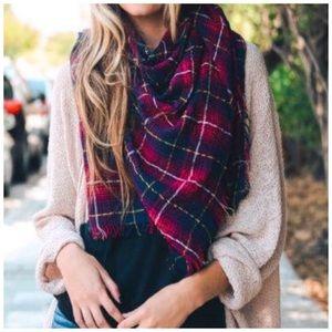 Plaid blanket scarf NWT